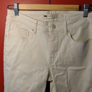 Levi's White Mid Rise Skinny Jeans